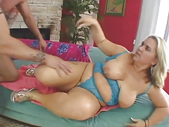 chubby woman with awesome backdoor fucks