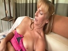 GILF Gargle & Swallow 576